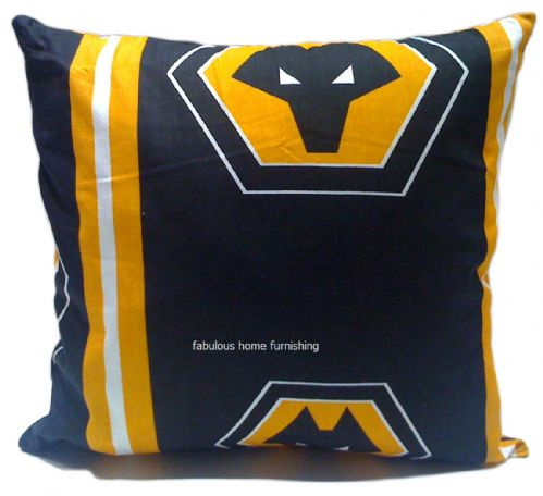WOLVERHAMPTON WANDERERS WOLVES FOOTBALL FILLED CUSHION